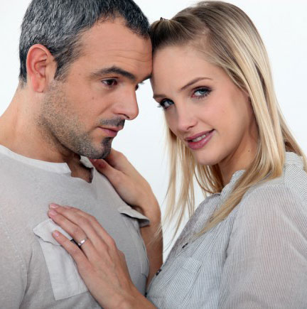 older man dating younger woman